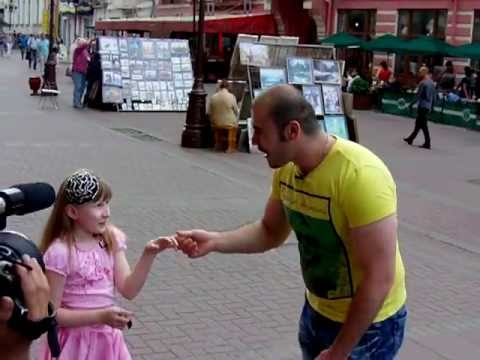 LITTLE GIRL VS BEATBOX CHAMPION