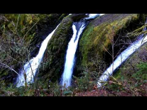 A Walkthrough Triple Falls in Oregon