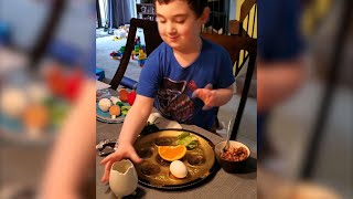 Jewish families share Passover meal online
