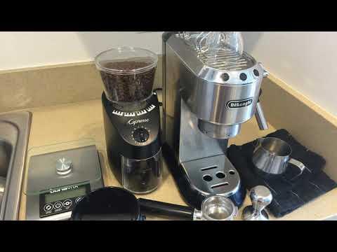 Delonghi EC680M Review - Make Espresso Like The Pros!