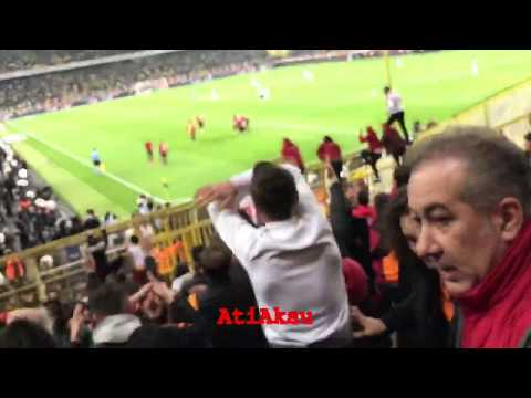 Büyü bozuldu ! Fenerbahçe 1-3 Galatasaray — Henry Onyekuru 90' – Gol Tribün Çekimi