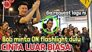 Download lagu Brother dari Indonesia mintak Bob nyanyikan lagu ni Tapi Bob minta ON kan flaslight dahulu