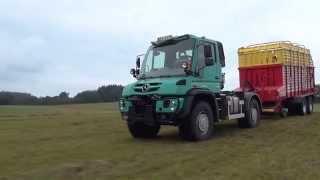 Mercedes-Benz Unimog im Einsatz bei der Futtertrocknung Lamerdingen