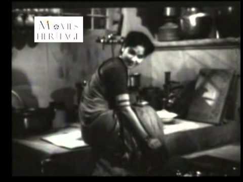 Natkhat Hatile Gopal by Lata Mangeshkar - Badi Maa (1945)