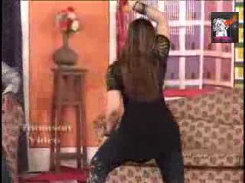 Dance on song kadi te has bol in pakistani...