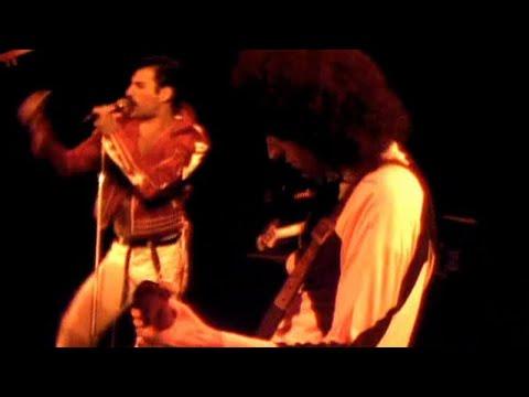 Смотреть клип Queen - Fat Bottomed Girls
