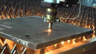 Лазерная резка металла (Laser Cutting)(Пример лазерной резки металла. Сталь Ст3 16мм. Лазерный раскройный комплекс VNITEP Навигатор КС-3В. Подробнее..., 2012-11-05T14:21:42.000Z)