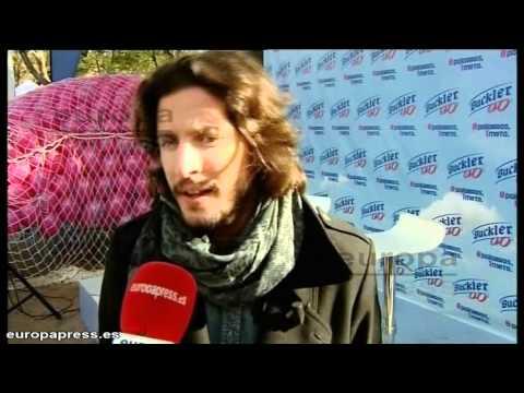 Manuel Carrasco apoya la 'marea rosa'