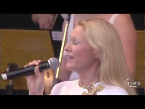 Abba - Dancing Queen (Virada Cultural - São Paulo 16.05.2010) (Full HD)