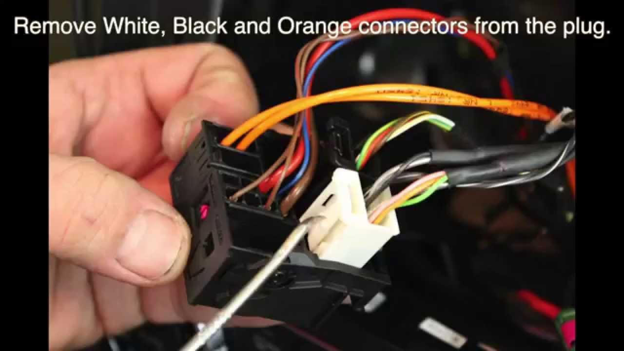MercedesBenz CClass W204 C350 2012 NAVIKS Video in