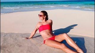 Caribbean 16 Beach Babe in Bimini, Bahamas