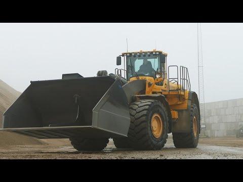 Volvo L350F, L220H, L180E & Komatsu WA800 - Working | Big Wheel Loaders in Denmark