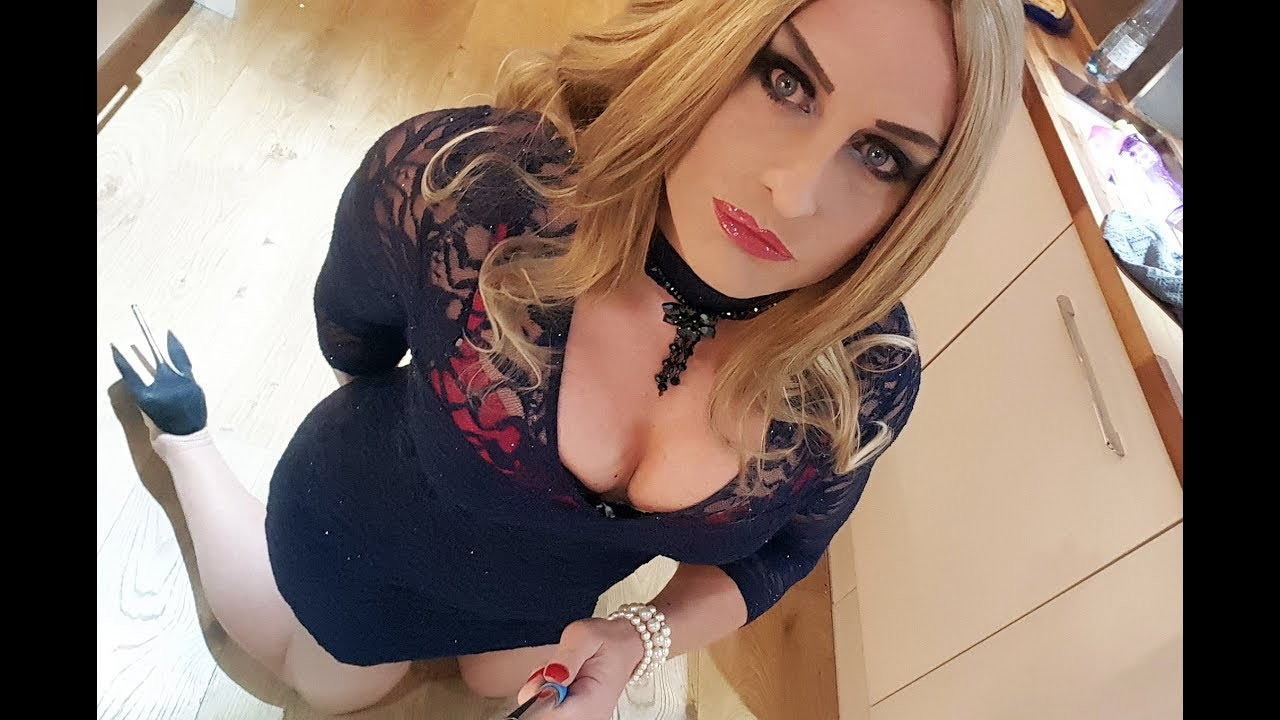 Blonde Crossdresser Tube