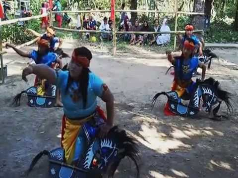 Kuda Kepang Jawa Tengah -Turonggo Sari Budoyo ..Kemerdekaan RI