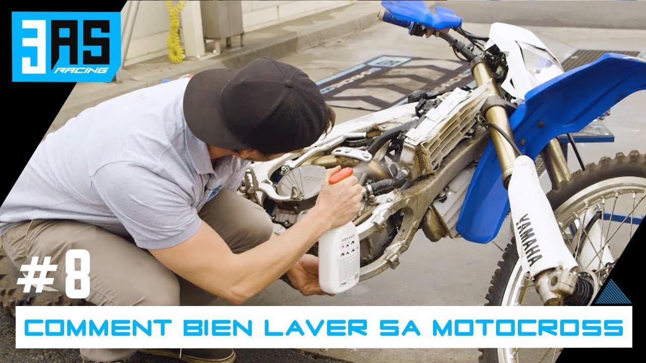 Avec quoi nettoyer plastique moto
