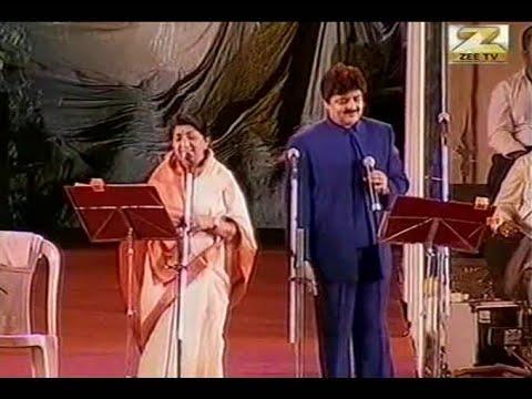 Humko Humise Chura Lo   Lata Mangeshkar Udit Narayan Live Hydrebad Concert   Mohabbatein