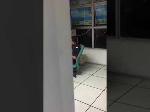 Padu | Cair Dengar Suara Abang Polis Cover Lagu ' Dia Milik Orang ' Harry Khalifah