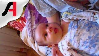 Взгляд ребенка на родителей. Глаза новорожденного ребенка. Детские эмоции.