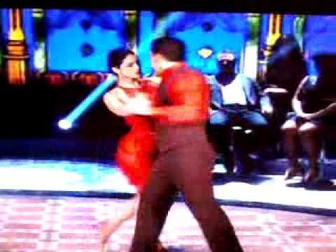 Carol Castro dançando tango dança dos famosos 15.09.2013