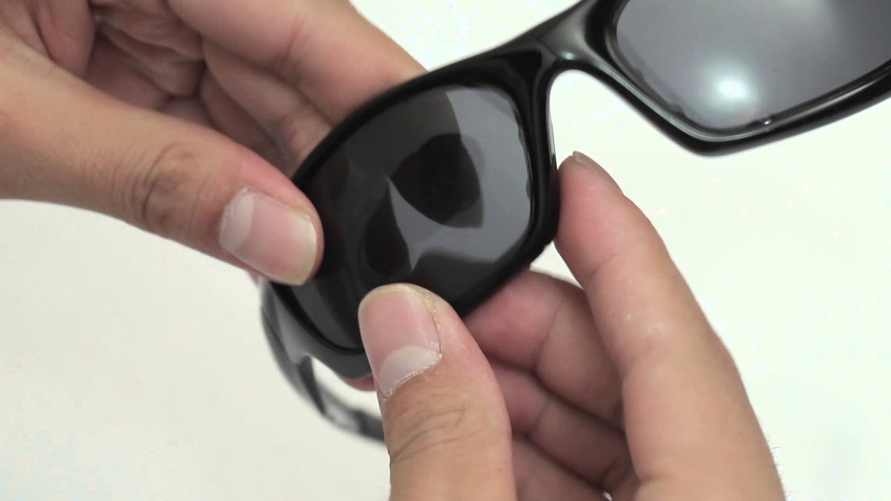 oakley glass change  oakley straight jacket sunglasses lenses replacement(installation/removal)