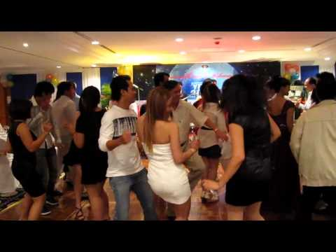 New Year 2011 Countdown_Part4_Dancing.mp4