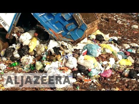 Sri Lanka authorities struggling to move rubbish dump