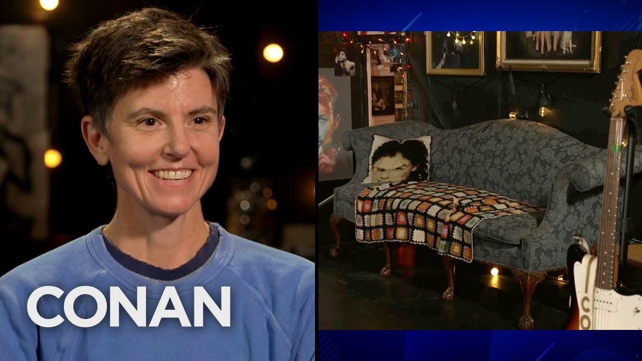 Tig Notaro's Old Couch Is A TV Star - CONAN on TBS