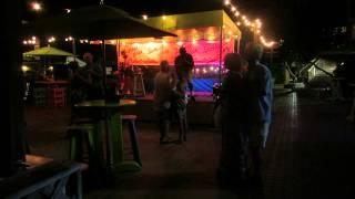 Живая музыка и танцы на набережной Флорида, Ки Вест. Key West live music