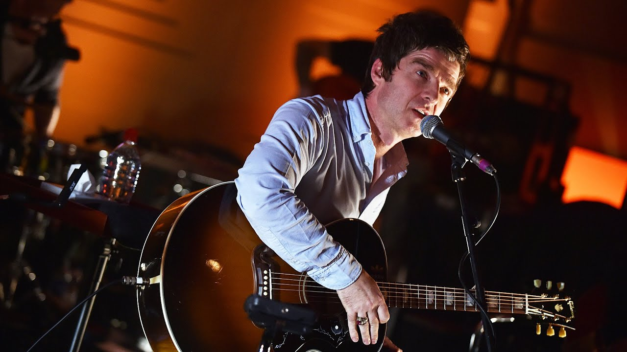 f7c94466fbda Noel Gallagher - Don't Look Back In Anger (Radio 2 In Concert) - YouTube