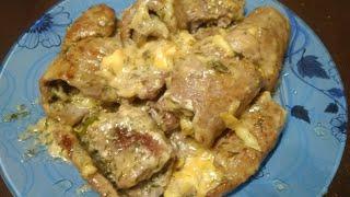 Мясные рулетики в сырно- чесночном соусе
