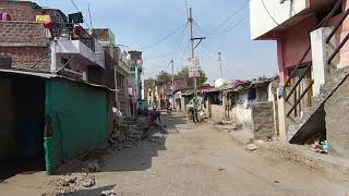 Download 2018. Вот так живут люди в Индии. Простая улица рядом с ашрамом с Доктор Перч Mp3 and Videos