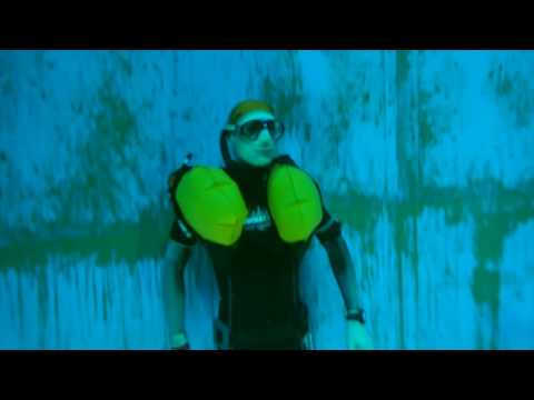 Oceanic freediver life vest 19 m trial at Dive4Life 2016
