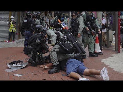 Hong Kong'da Çin'in yeni güvenlik yasası girişimine karşı düzenlenen protestoda arbede çıktı…