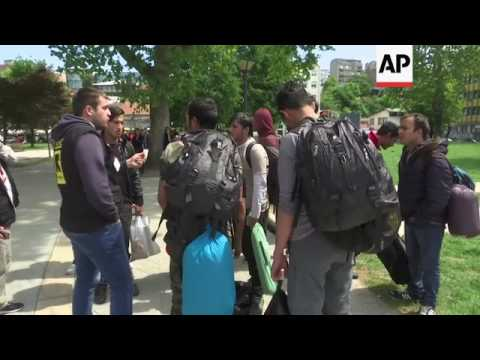 Migrants moved to Belgrade asylum centres