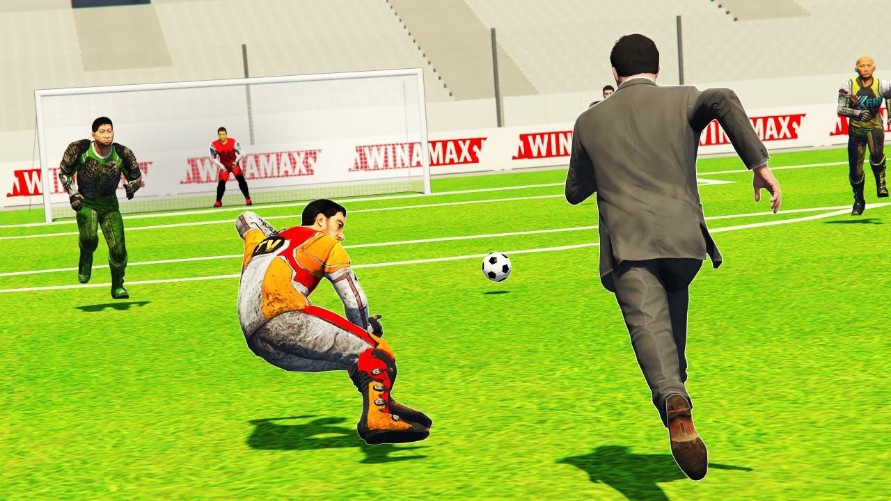 playing-football-in-gta-5-reality-mod