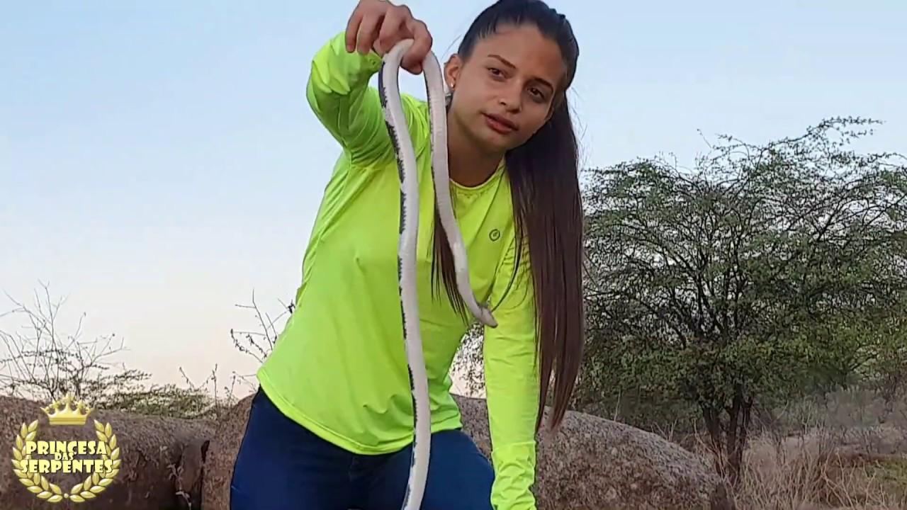conheçam a cobra branca do nordeste brasileiro