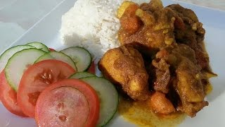 Spicy Curry Chicken Served With Plain Rice & Veg At The Side