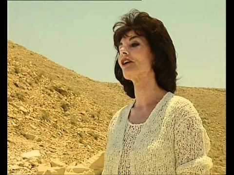 Marilla Ness - Be not afraid.