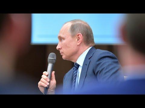 Le point de presse de Vladimir Poutine lors de la COP21