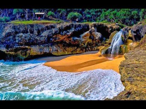 Pantai Banyu Tibo, Pacitan, Jawa Timur