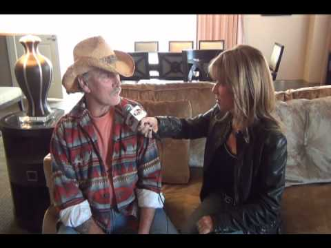 wdha 39 s box of rock with dickey betts youtube. Black Bedroom Furniture Sets. Home Design Ideas