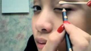 eMypham.com - Hướng dẫn makeup dùng Gel kẻ mắt, chì, sáp mắt, bút dạ kẻ mắt Thumbnail