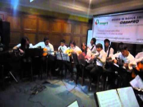 ESCUELA DE MUSICA CANAPRO MUESTRA FINAL GUITARRAS Y CLARINETES 04