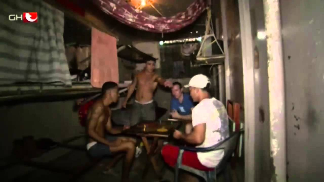 Hinter Fremden Gittern  Wegen Drogenschmuggels Im Knast