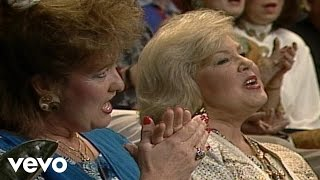 Bill & Gloria Gaither - Bigger Than Any Mountain (Live)
