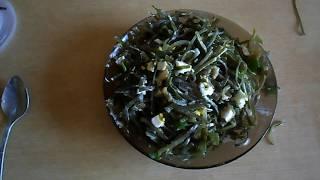 Салат из морской капусты с копчёной мойвой