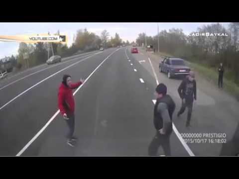 Видео страшной аварии в Ленинградской области попало в Сеть