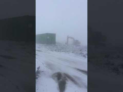 Усинск май жесть снег
