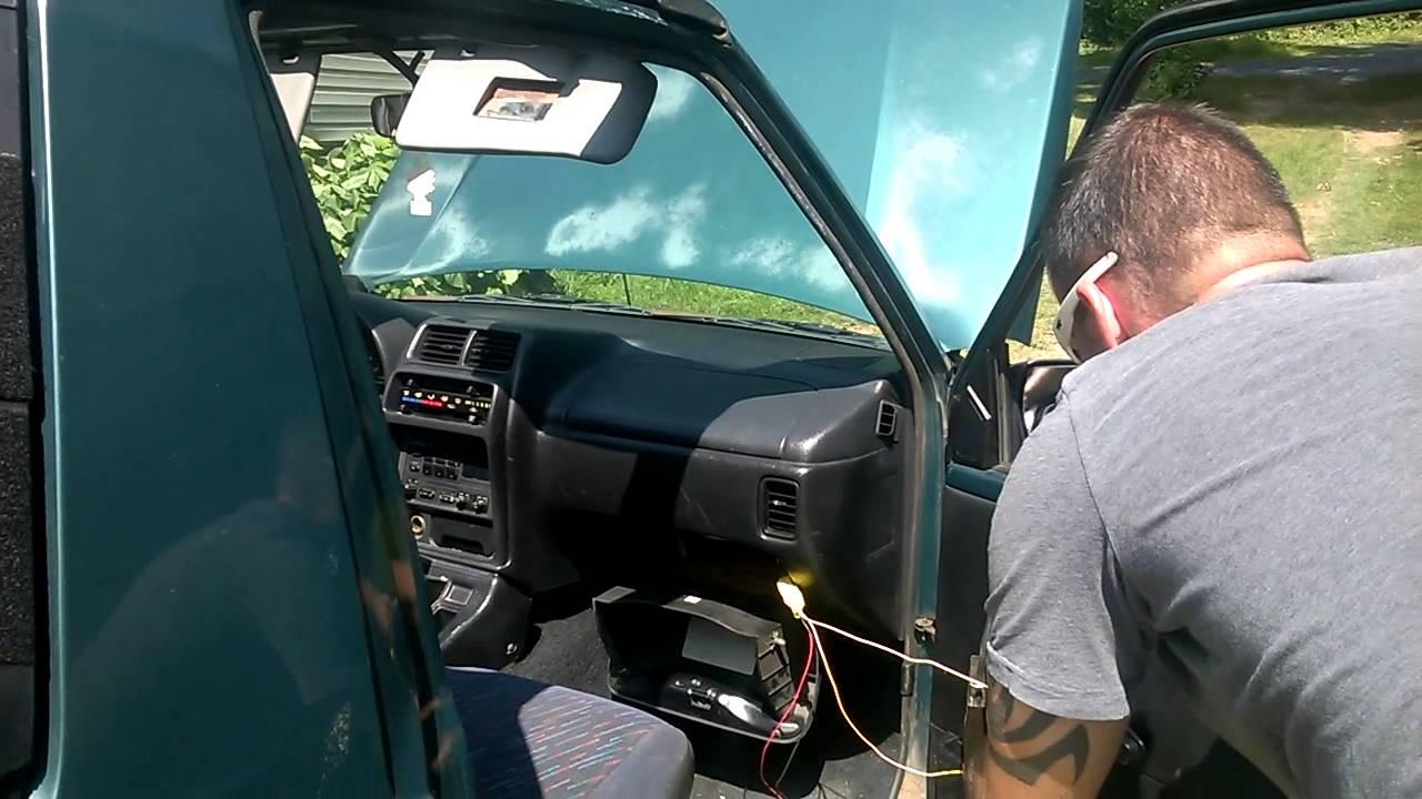 geo tracker airbag deployment [ 1280 x 720 Pixel ]