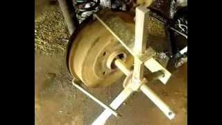 Замена задних тормозных колодок на RENAULT LOGAN.Видео.(, 2013-03-24T12:35:55.000Z)